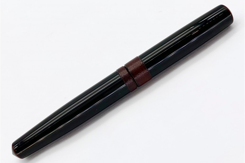 Nakaya Piccolo Long Cigar Kuro-Tamenuri String-Rolled Model Fountain Pen