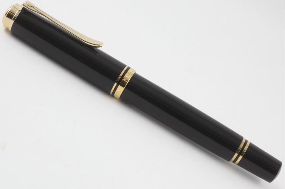 Pelikan Souveran M400 Black Fountain Pen (New Logo Gold-Top)