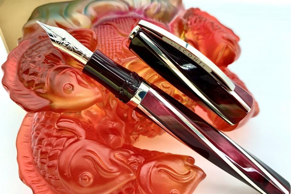 Visconti Divina Elegance Bordeaux Oversize Fountain Pen