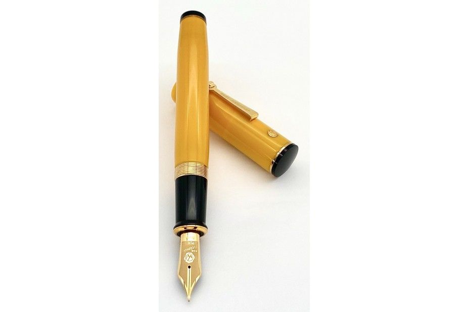 Wahl Eversharp Decoband FP Mandarin Yellow Fountain Pen with Gold Trim